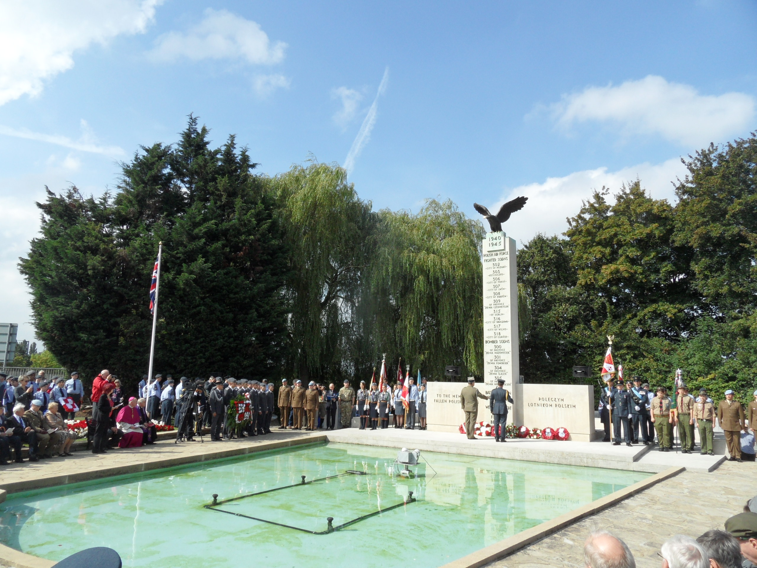 RAF Northholt Remembering The 2165 Polish Airmen Who Died