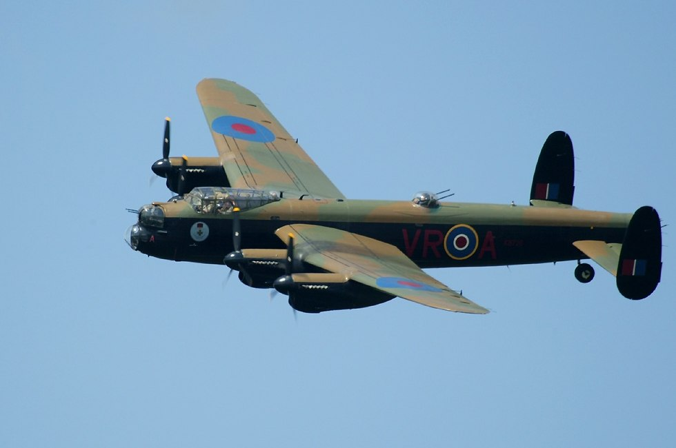 WWII <b>Lancaster Bomber </b>flies into Winnipeg today